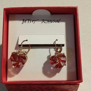 Betsey johnson Christmas heart earrings